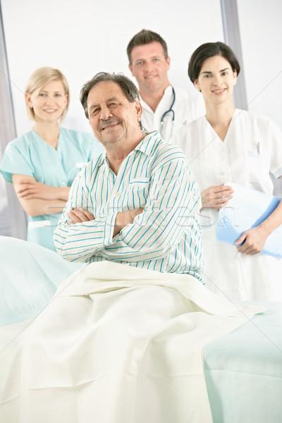 Stock fotó: Idős · beteg · orvosi · csapat · kórház · mosolyog
