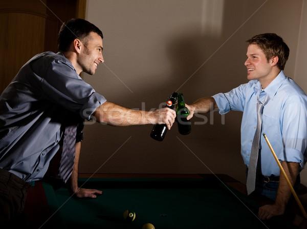 Fiatal férfiak sör üvegek snooker mosolyog egyéb Stock fotó © nyul