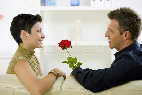 ストックフォト: 愛 · カップル · バラ · ロマンチックな · 男 · 赤いバラ