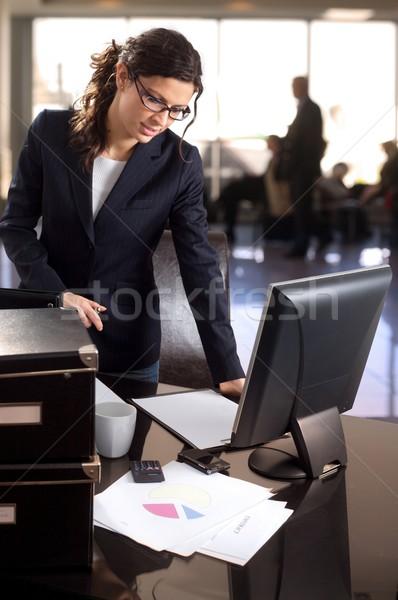 деловая женщина банка лобби молодые бизнеса компьютер Сток-фото © nyul