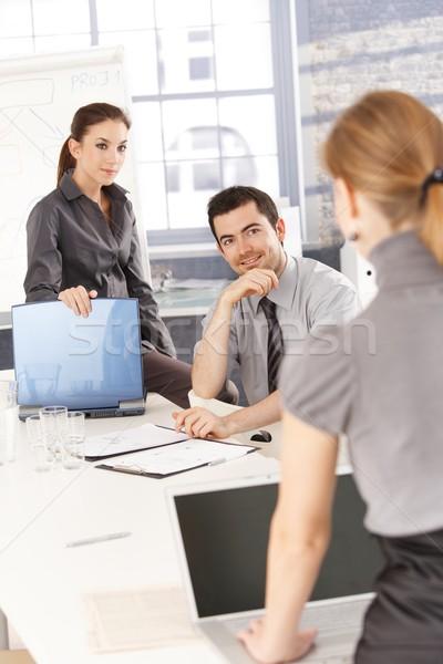 Stock fotó: Fiatal · üzletemberek · képzés · mosolyog · üzlet · nők