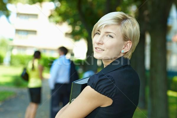Mujer de negocios parque retrato jóvenes pie soleado Foto stock © nyul