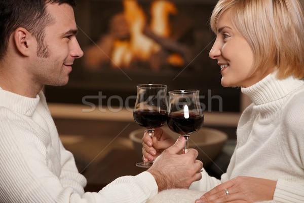 Stockfoto: Romantische · paar · home · jonge · vergadering · sofa