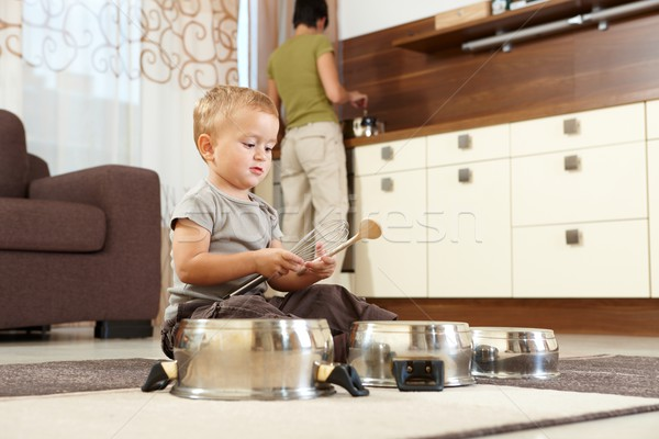 мало мальчика играет приготовления сидят ковер Сток-фото © nyul