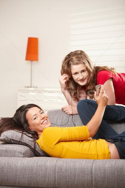 подростков девочек домой прослушивании музыку Сток-фото © nyul