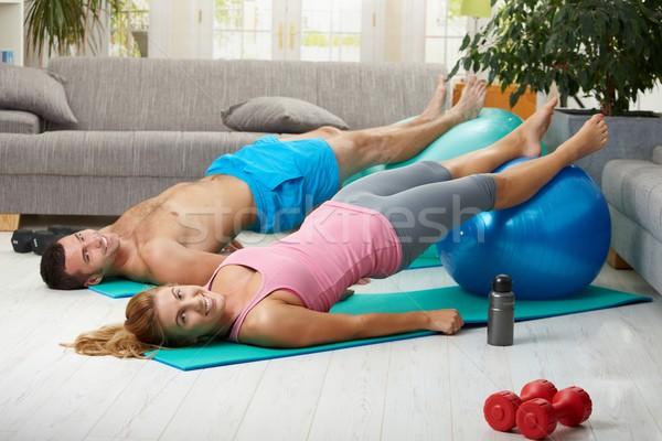 Casa abdominal exercer caber bola Foto stock © nyul
