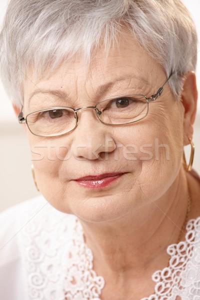 Stockfoto: Portret · senior · vrouw · grijs · haar · naar