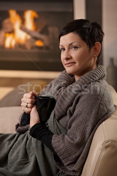 Stockfoto: Vrouw · warme · drank · vergadering · sofa · home · koud