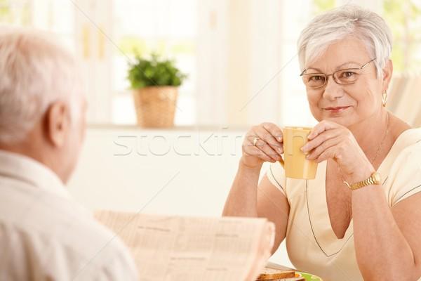 Сток-фото: портрет · старший · женщину · утра · кофе · улыбаясь
