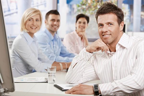 Foto stock: Empresário · feliz · sessão · tabela · escritório