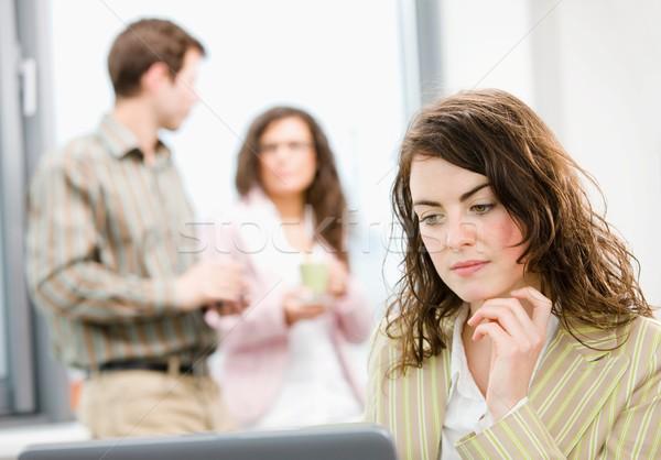 ストックフォト: オフィス · 女性実業家 · 思考 · 作業 · ノートパソコン