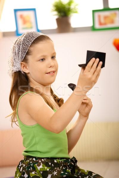Stockfoto: Schoolmeisje · omhoog · gezicht · naar · spiegel