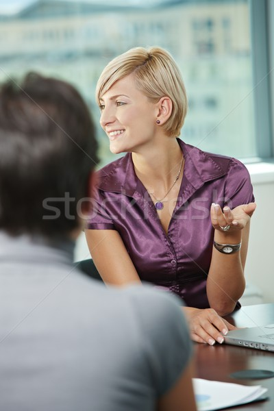 Zakenlieden praten glimlachend zakelijke bijeenkomst schouder Stockfoto © nyul