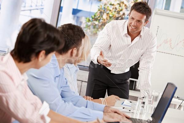 Foto stock: Negócio · apresentação · empresário · falante · sorridente