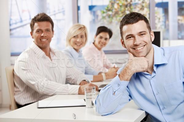 Foto stock: Feliz · empresário · reunião · reunião · de · negócios · tabela