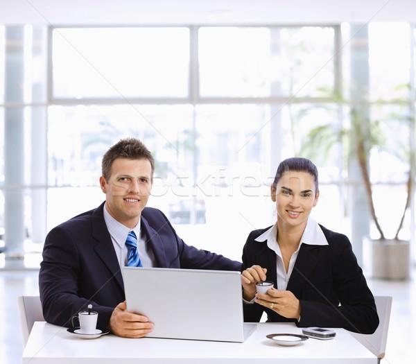 Reunión de negocios empresario mujer de negocios reunión oficina lobby Foto stock © nyul