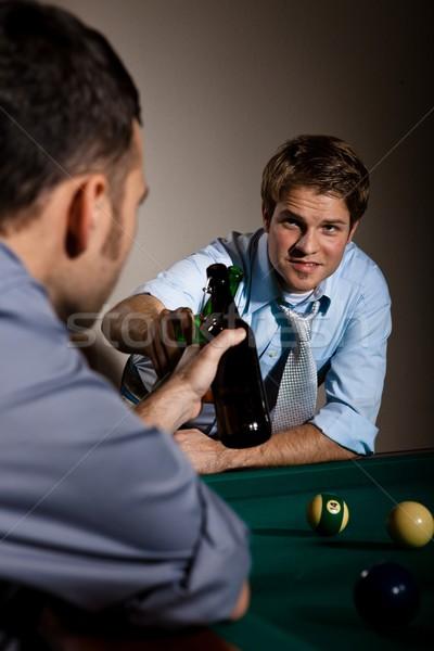 Barátok sör üvegek snooker asztal játszik Stock fotó © nyul