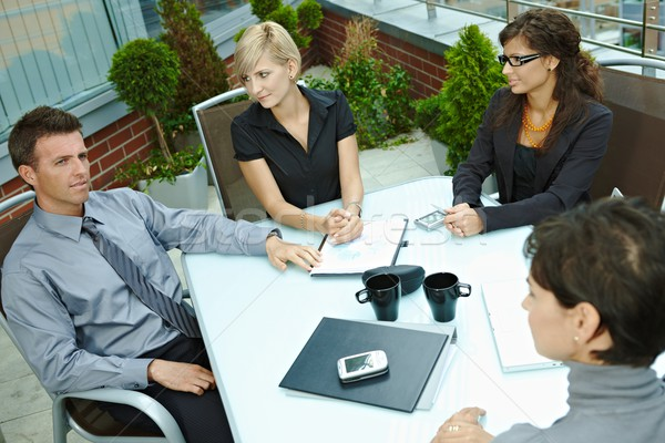 Сток-фото: деловые · люди · заседание · Открытый · группа · молодые · сидят