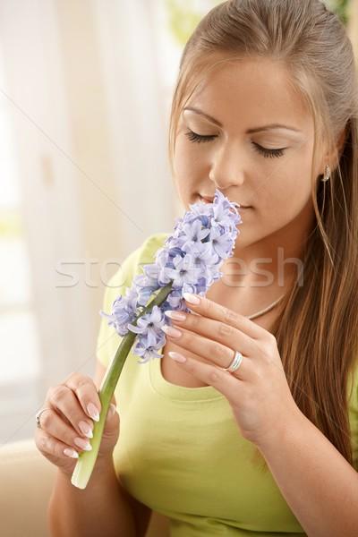 Stockfoto: Vrouw · bloemen · mooie · vrouw · bloem