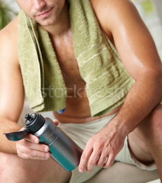 Stanco uomo formazione riposo bottiglia Foto d'archivio © nyul