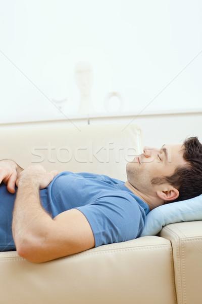 Foto stock: Hombre · dormir · sofá · jóvenes · hombre · guapo · casa
