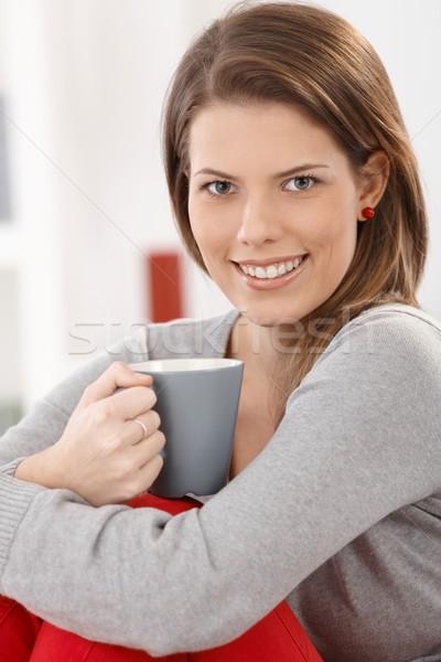 Stok fotoğraf: Kadın · kahve · oturma · kahve · fincanı · gülen