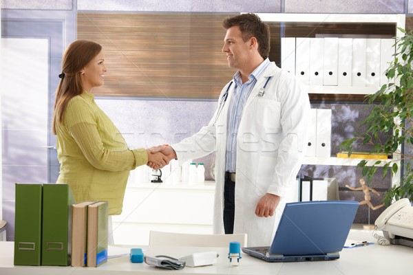 Photo stock: Femme · enceinte · médecin · souriant · serrer · la · main · Consulting · chambre