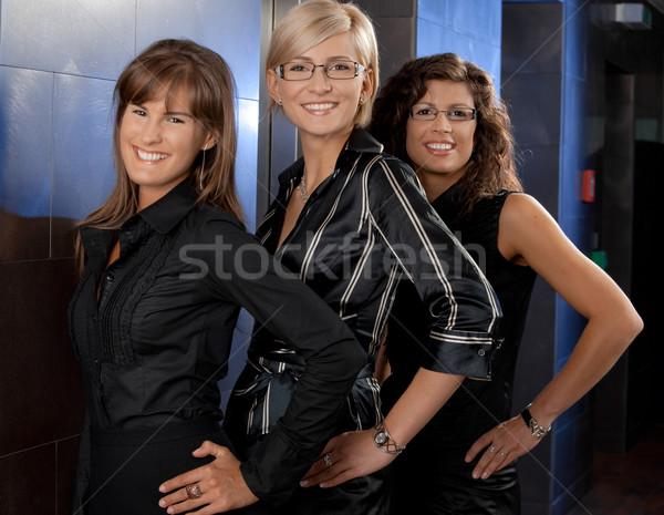 Stock fotó: Boldog · üzletasszonyok · csapat · portré · fiatal · mosolyog