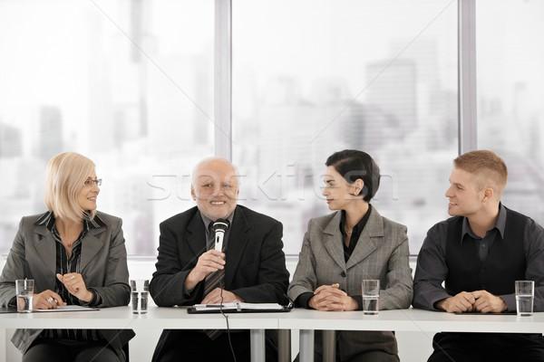 Stock foto: Sitzung · Senior · Executive · sprechen · Mikrofon