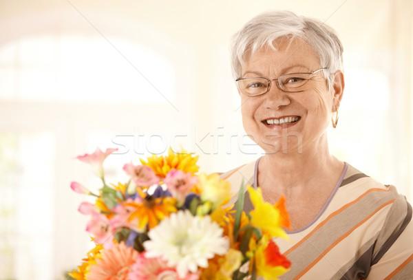 Сток-фото: портрет · счастливым · старший · женщину · цветы