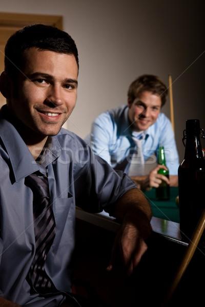 Portré két férfi snooker asztal sör mosolyog Stock fotó © nyul