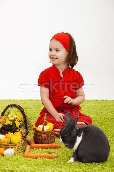 Dziewczynka Easter bunny Wielkanoc obraz uśmiechnięty zielone Zdjęcia stock © nyul