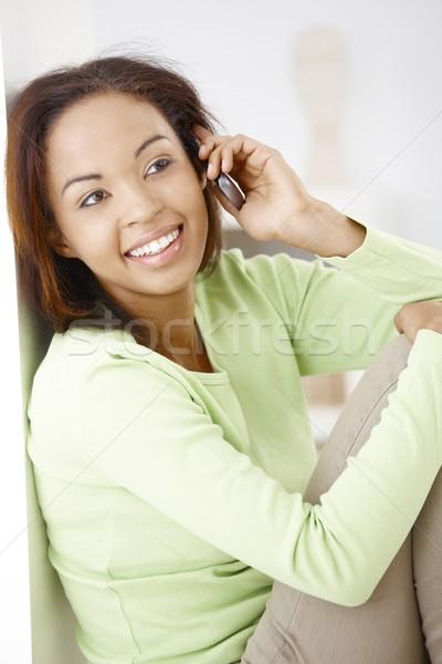 Photo stock: Portrait · heureux · femme · séduisant · afro · téléphone · portable