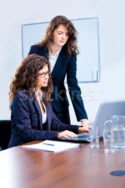 Сток-фото: деловые · люди · служба · молодые · предпринимателей · бизнес-команды