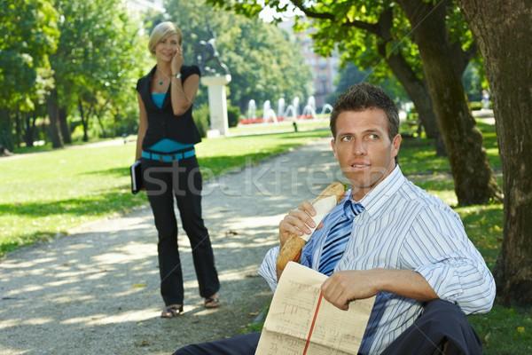 бизнеса обед Открытый случайный бизнесмен сидят Сток-фото © nyul
