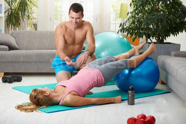 Home abdominaal oefening geschikt bal Stockfoto © nyul