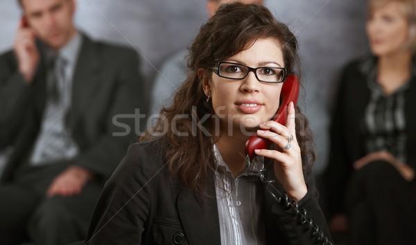 Stockfoto: Zakenvrouw · praten · telefoon · portret · jonge