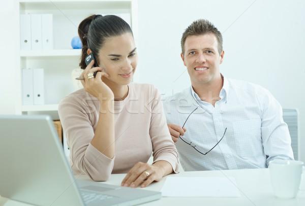 Paar werken home laptop computer kantoor aan huis gelukkig Stockfoto © nyul