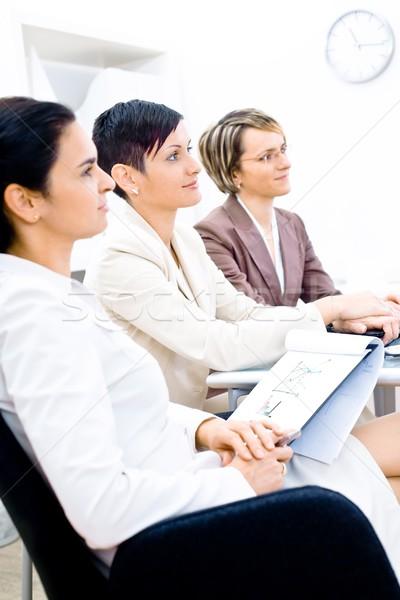 Stock foto: Business · Ausbildung · drei · Geschäftsfrau · Sitzung · Zeile