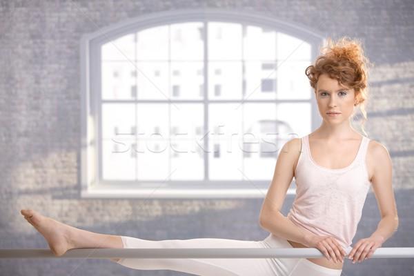 Stock fotó: Ballerina · lány · gyakorol · bár · vonzó · tánc