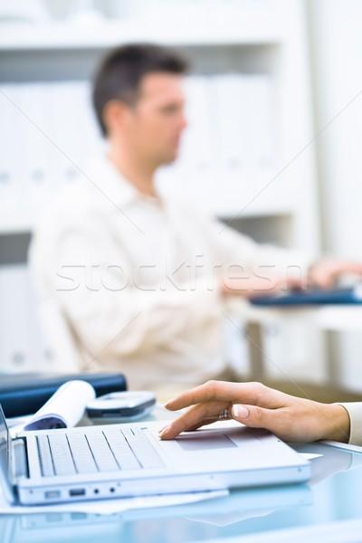 Hand typen toetsenbord zakenman werken Stockfoto © nyul