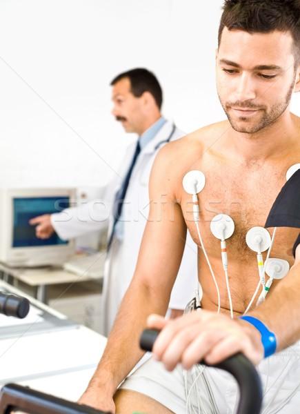кардиограмма врач испытание молодые мужчины Сток-фото © nyul