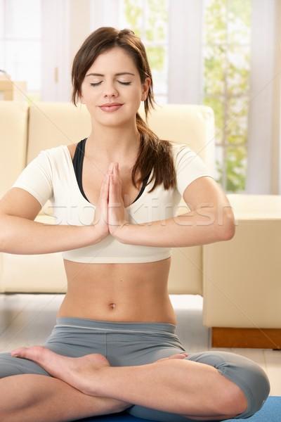 Stok fotoğraf: Kız · yoga · meditasyon · oturma · oturma · odası · zemin