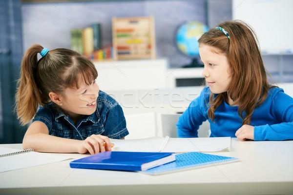 Stock fotó: Gyerekek · tanul · osztályterem · iskolás · lányok · együtt · általános · iskola