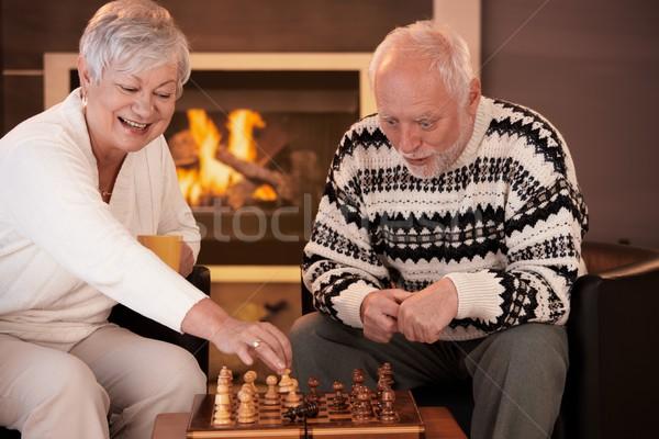Foto stock: Pareja · de · ancianos · ajedrez · casa · invierno · noche