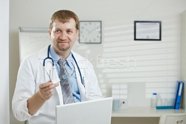 Photo stock: Médecin · de · sexe · masculin · bureau · médicaux · séance · ordinateur · portable