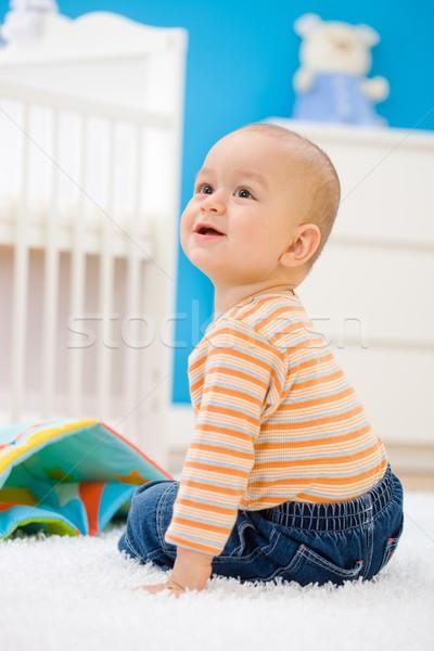 Baby spelen home jongen vergadering Stockfoto © nyul