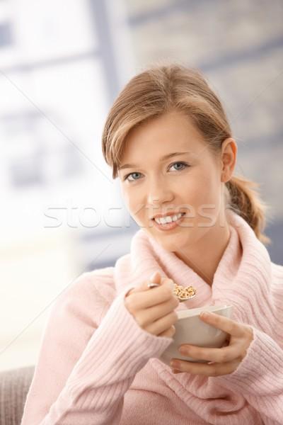 Foto stock: Mulher · jovem · café · da · manhã · retrato · sessão · casa