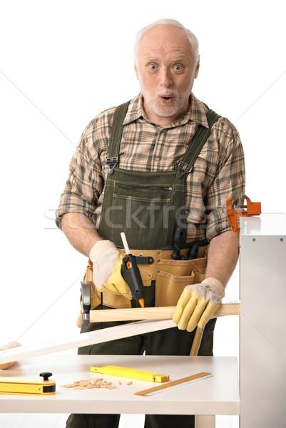 Csináld magad idős férfi dolgozik szerszámok néz Stock fotó © nyul