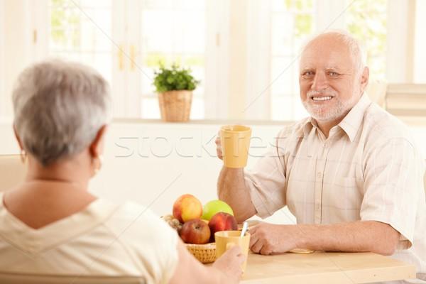 Foto stock: Retrato · senior · homem · café · da · manhã · feliz · tabela
